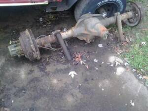 87 97 Ford Truck F250 3 4 Ton Rear Axle Assembly Sterling 10 25 Rear End