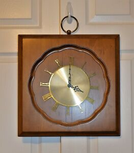 Mid Century Modern Elgin Quartz Square Walnut Wood Wall Clock 16 X 16