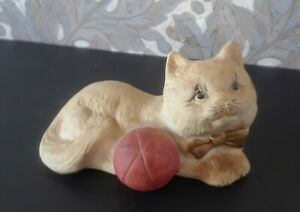 Antique Bisque Figurine Cat Kitten Hand Painted Face Ball Bow 3 1 2 Inches