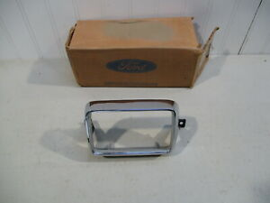 Nos 1976 Ford Mustang Ii Lh Parking Light Bezel D6zz 13212 A New In Box