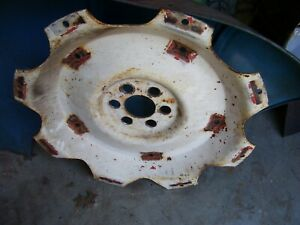 Vintage Fordson Major Diesel Tractor rear Wheel Center 38