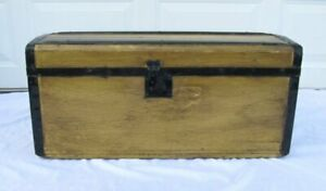 Small Antique Wood Steamer Trunk Chest With Tray 28 X 13
