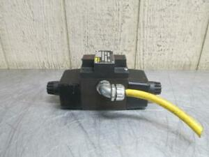 Parker D3w11cnyc5 14 Hydraulic Directional Control Solenoid Valve 110 120v