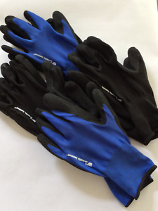 4 Pairs Of Wells Lamont Premium Soft Foam Latex Work Gloves M l dry wet Surfaces