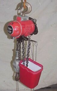 Aro Pneumatic Air Hoist 1500 Lbs 10 Ft Lift Model 7714 Dl Very Nice Chain