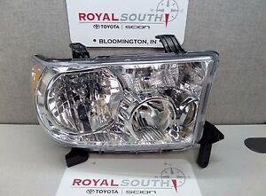Toyota Tundra Sequoia Right Front Headlight Lamp Genuine Oem Oe