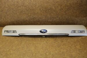 2005 2009 Subaru Legacy Outback Rear Center Tail Liftgate Panel Garnish