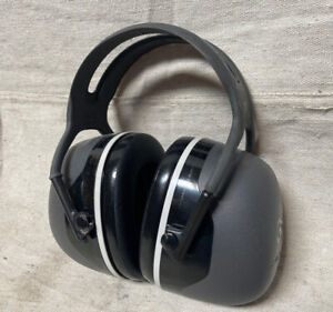3m Peltor 37274 Over the head Ear Muffs 31db Noise Reduction Rating Nrr Dielectr