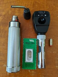 Welch Allyn Retinoscope Model 18100 And Light Model 41100 New Battery Extra Bulb
