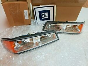 Oem Gm Set Turn Signal Park Light Lamps 2004 2012 Chevy Gmc Colorado Canyon