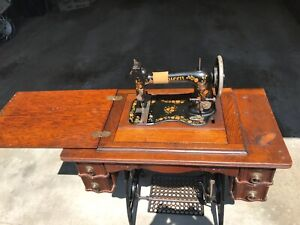 Antique Vintage 1890s Queen Treadle Sewing Machine Fiddle Base Oak Cabinet