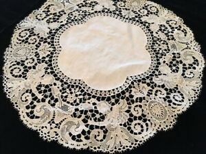 Chemical Figural Lace Round