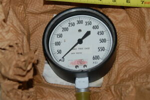 4 1 2 Inch Helicoid Pressure Gauge 0 600 Psi New Old Stock