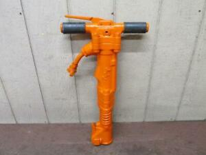 Apt Model 160 Air Pneumatic Pavement Breaker Demolition Jack Hammer 60 70 Lbs