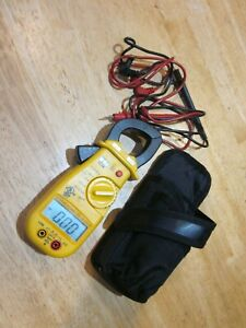 Uei Test Instruments Dl39 Digital Clamp on Meter Tester W case And Leads