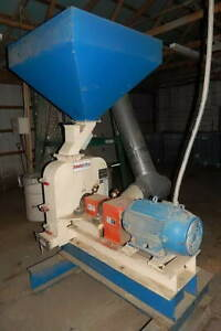 Schutte Buffalo Hammer Mill With Grizzly Cyclone Separator 52153