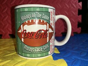 VINTAGE 1997 Coca Cola FOOTBALL FIELD MUG RARE VTG ALWAYS ON THE GAME