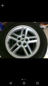 2003 04 Land Rover Discovery 18x8 Alloy 5 Twin Spoke 2 Piece Wheel Set Of 5