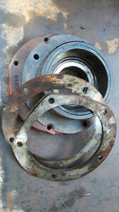 Case 400 401 411 Tractor Right Brake Differential Bearing Housing
