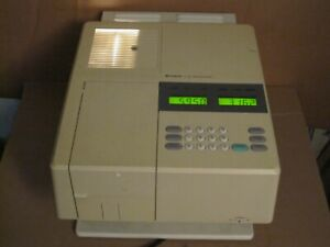Hitachi U 1100 Spectrophotometer