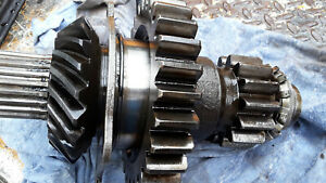 Case 400 401 411 Tractor Transmission Input Shaft gear Assembly