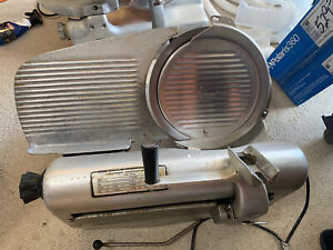 The Hobart Manufacturing Co Model 1712 Meat And Cheese Deli Meat Slicer Cutter