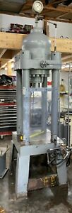 Hannifan Parker 4 post Hydraulic 150 Ton Form Stamp Punch Press see Video
