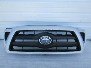 2005 2006 2007 2008 2009 2010 2011 Toyota Tacoma Oem Front Upper Grille Grill