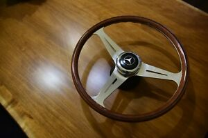 Nardi Steering Wheel Classic Wood Polished With Hub And Center Horn