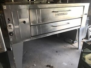 Bakers Pride Pizza Oven Y 600 Single With Legs Natural Gas Nice Bricks