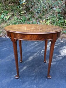 Vintage Queen Anne Oval Cherry Burlwood End Side Table W Cabriole Legs 28x20x26