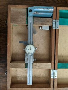 Mitutoyo Dial Height Gage 6 With Wooden Case