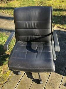 Knoll Black Leather Management Chair Designed By Richard Sapper