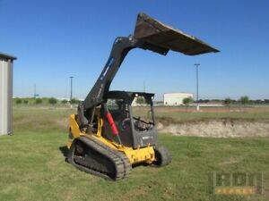 Volvo jcb skid Steer Loader Tracked Ctl Low Hours New Engine Mct135c