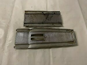 1966 1968 Mopar B Body Console Shift Plate Storage Door Ribbed Top Cover