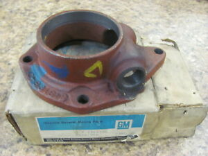 Nos Chevrolet Chevy Gmc Truck New Process 93161 Transmission Bearing Retainer