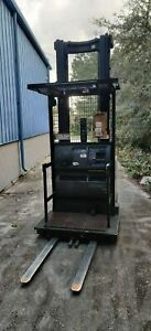 Used Crown Sp3220 30 Order Picker Forklift Works Perfectly 276 Lift