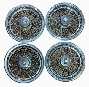 Oldsmobile 15 Wire Spoke Hubcaps Wheel Covers Delta 88 Cutlass 98 Rwd Nice