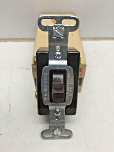 Sierra 5110x 15a Momentary Contact Toggle Switch 3 Position 2 Circuit Brown