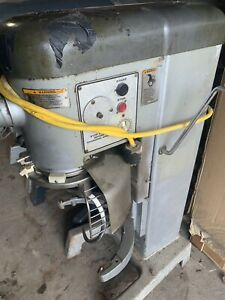 Hobart D330 30 quart Mixer With Bowl And Hook Working 208v 3 Phase