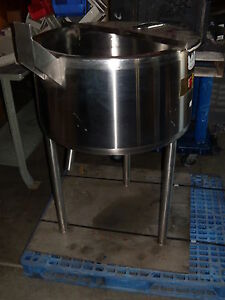 Water Steam Jacketted Ss Vat Tank Roughly 30 Gallon