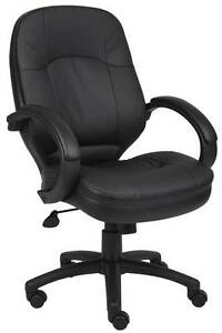 Lot Of 8 Bomber Black Leatherplus Conference Room Table Chairs With Padded Arms
