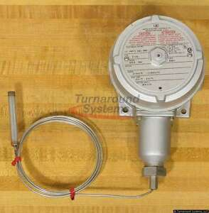 United Electric 9318 7bs Temperature Switch New