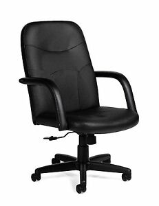 Lot Of 6 Black Faux Leather Conference Chairs With Upholstered Arms