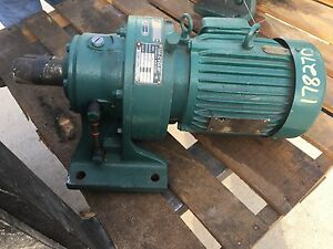 Sm cyclo Gear Box Output Rpm 20 Ratio 87 With Toshiba 2 Hp Motor Used
