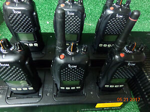 Icom Ic f40gs 2 Radios Gmrs Uhf 440 512 16 Channel W Multi Charger Lot 6 a 04