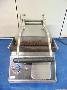 Star Pro max Panini Sandwich Grill Heats Up Needs Cleaned R258