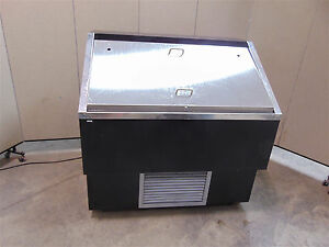 Canadian Display Systems Open Face Cooler 4 Model Rs4248 works Good sr236