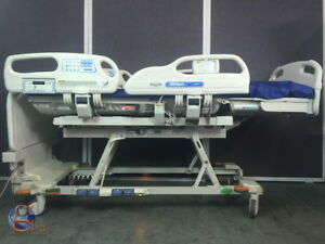 Hill rom Versacare P3200 Fully Electric Hospital Bed W Scale Pendant Control