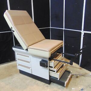 Midmark Model 404 Manual Medical Exam Chair in Good Condition s2903